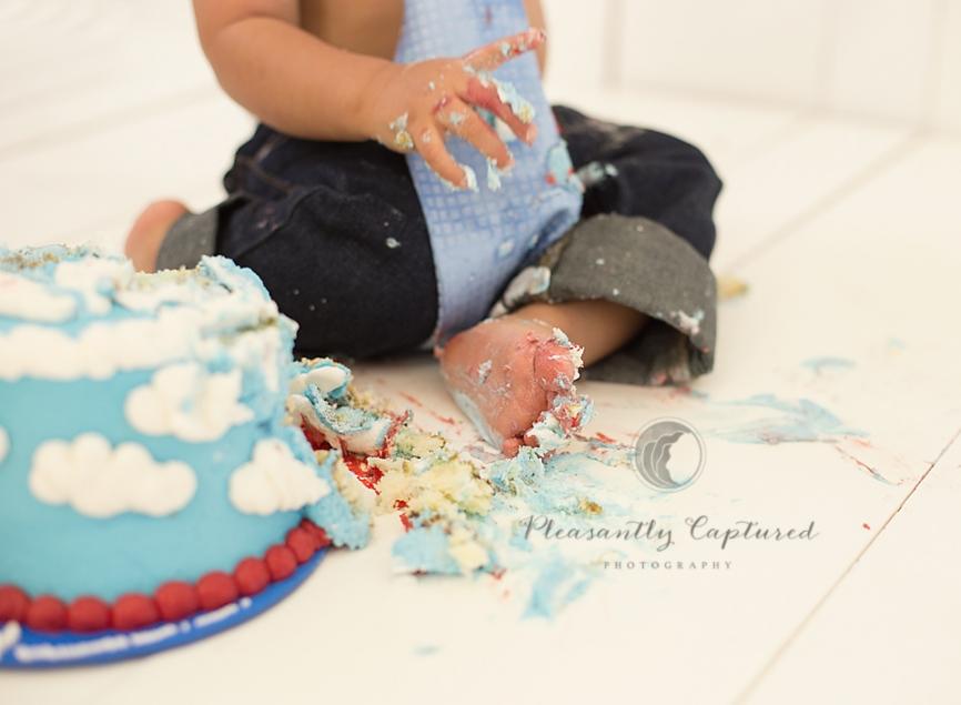 Baby-Boy-cake-smash-jacksonville-nc-baby-photographer10